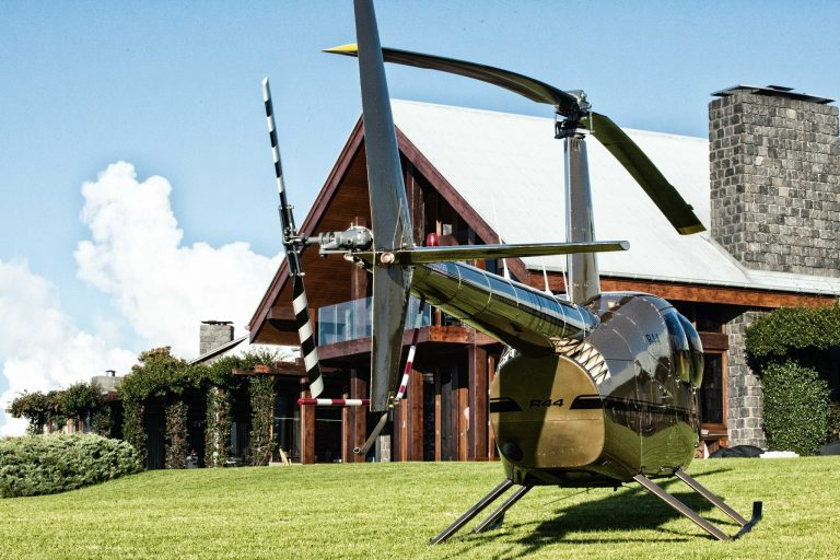 heli lunch, lunch flight, resort, helicopter, luxury, gift, brisbane flight, pterodactyl helicopters, someone special, wddding
