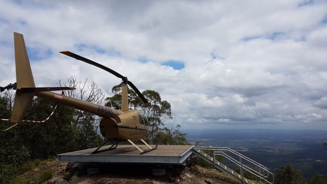 Flinders peak, helicopter, mainatenance, energy, data communications, remote transfers, equipment